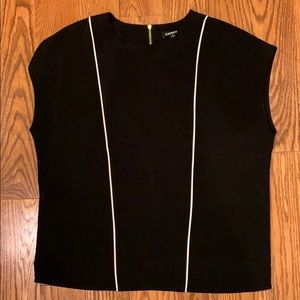 Express Black Piped Zip Back Crew Neck Blouse